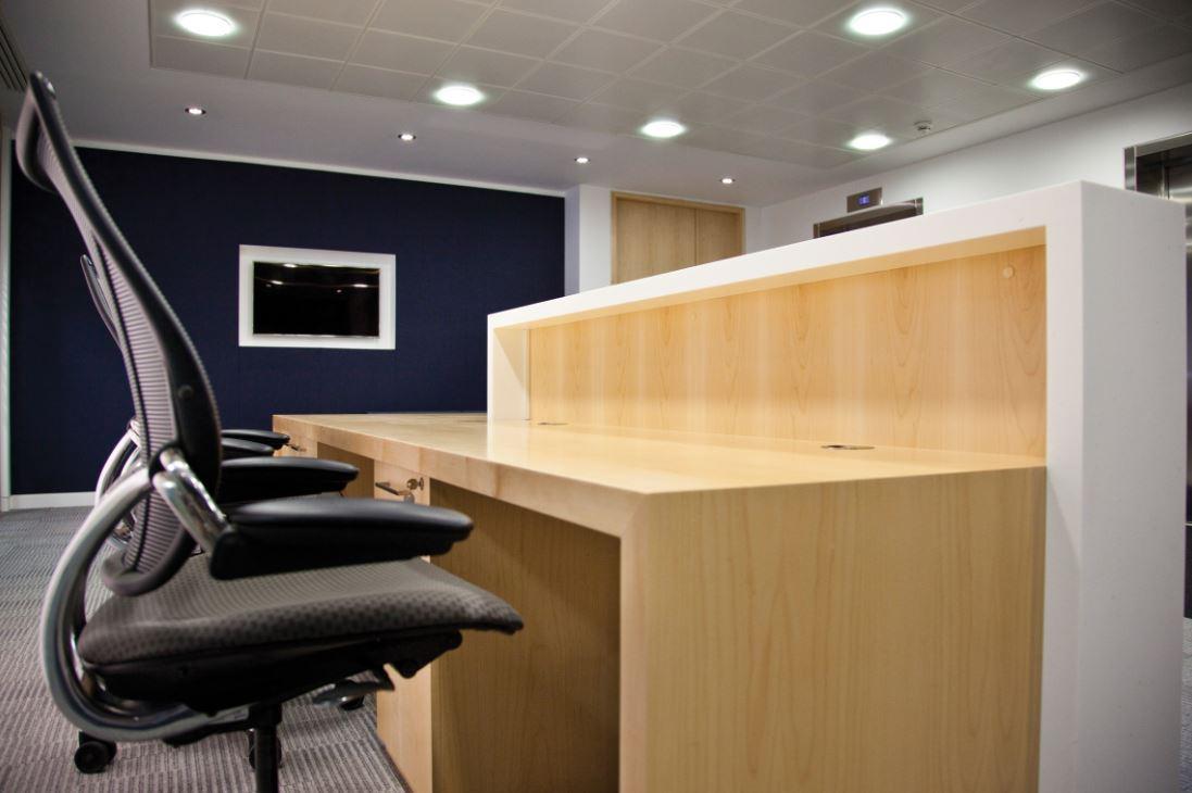 Office reception furniture office reception desks solutions 4 office - Desk lighting ideas ...