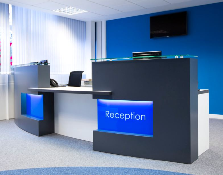Office reception furniture office reception desks for Bureau reception