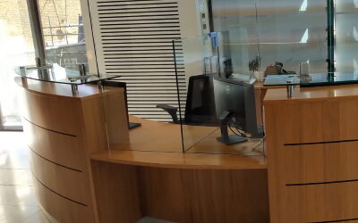 Curved Reception Desk with Clear Screens