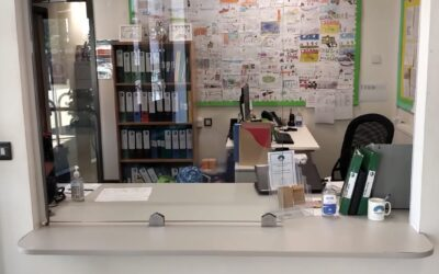 Clear Glass Screens for Reception Desks